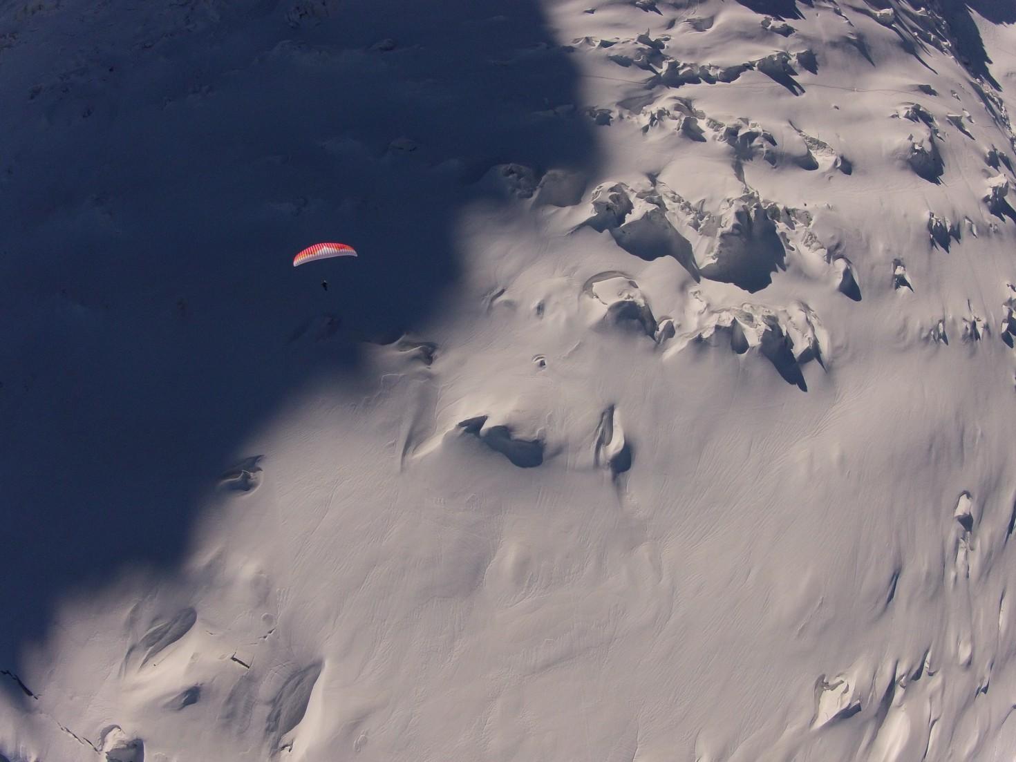Paragliding over the glacier © Sean Potts, Fly-Chamonix.com
