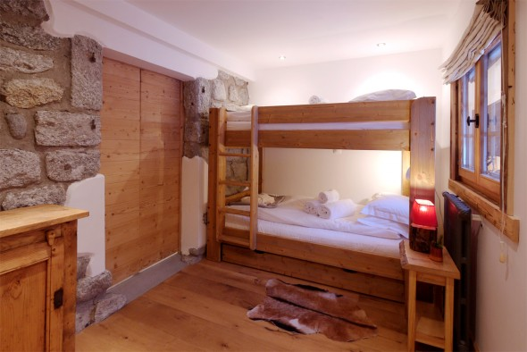 Newly renovated bunk room with full size (2m) sturdy bunks