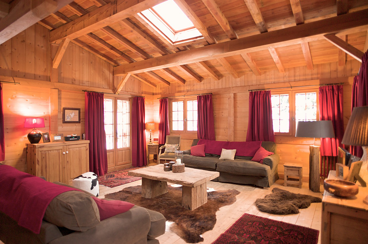 Photos of the main rooms in the chalet, and the views from inside ...