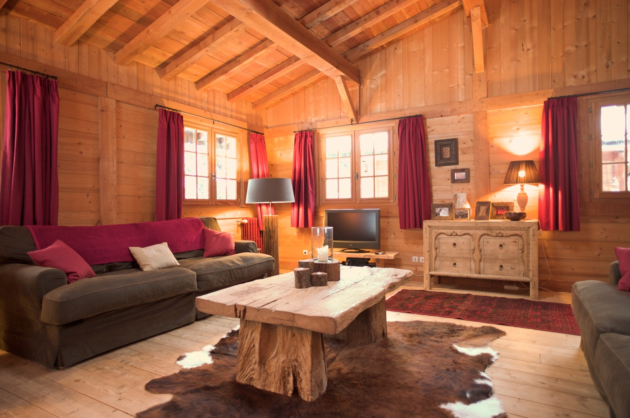 Chalet photos interior views for Living room interiors pictures