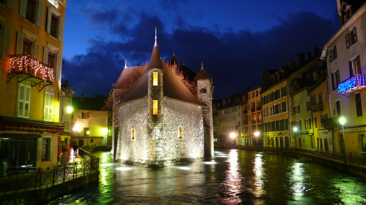 Evening in the beautiful town of Annecy