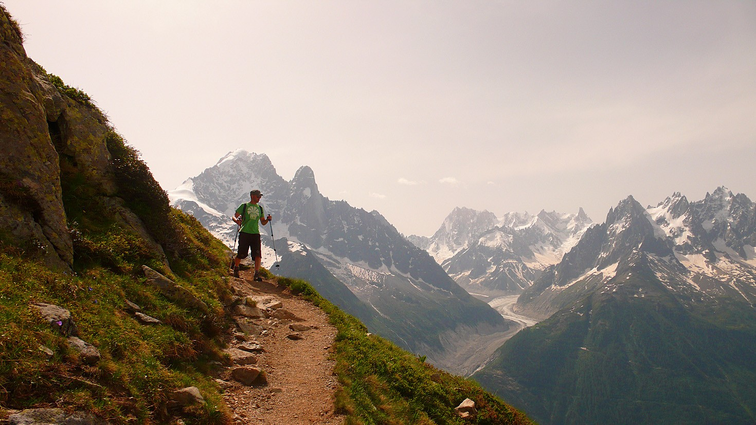 Walking down from Lac Blanc